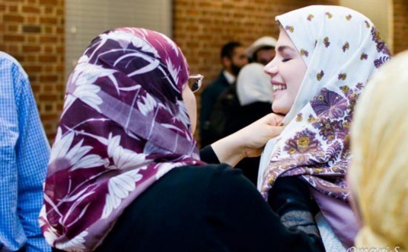 Leena Brookes Jatuh Cinta pada Islam