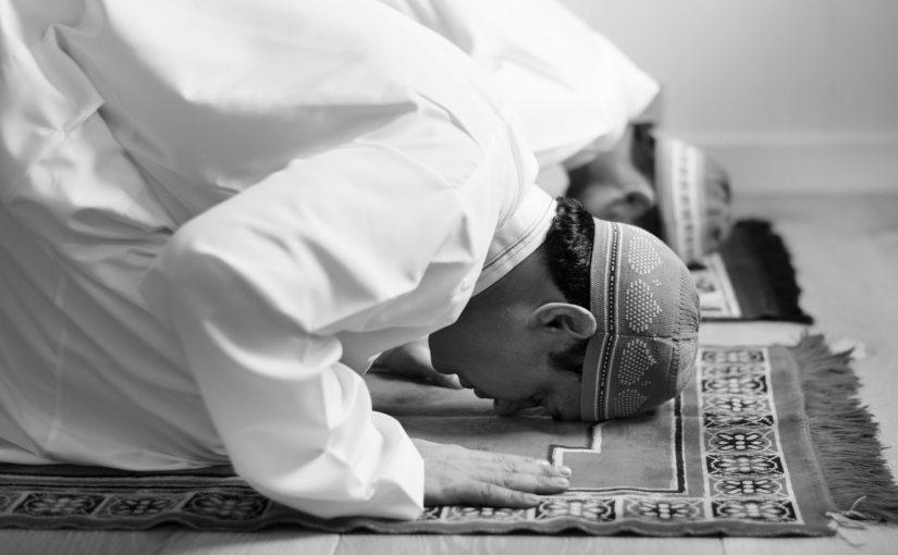 Shalat Sunnah Sambil Berbaring, Padahal Mampu Berdiri, Sahkah Shalatnya?